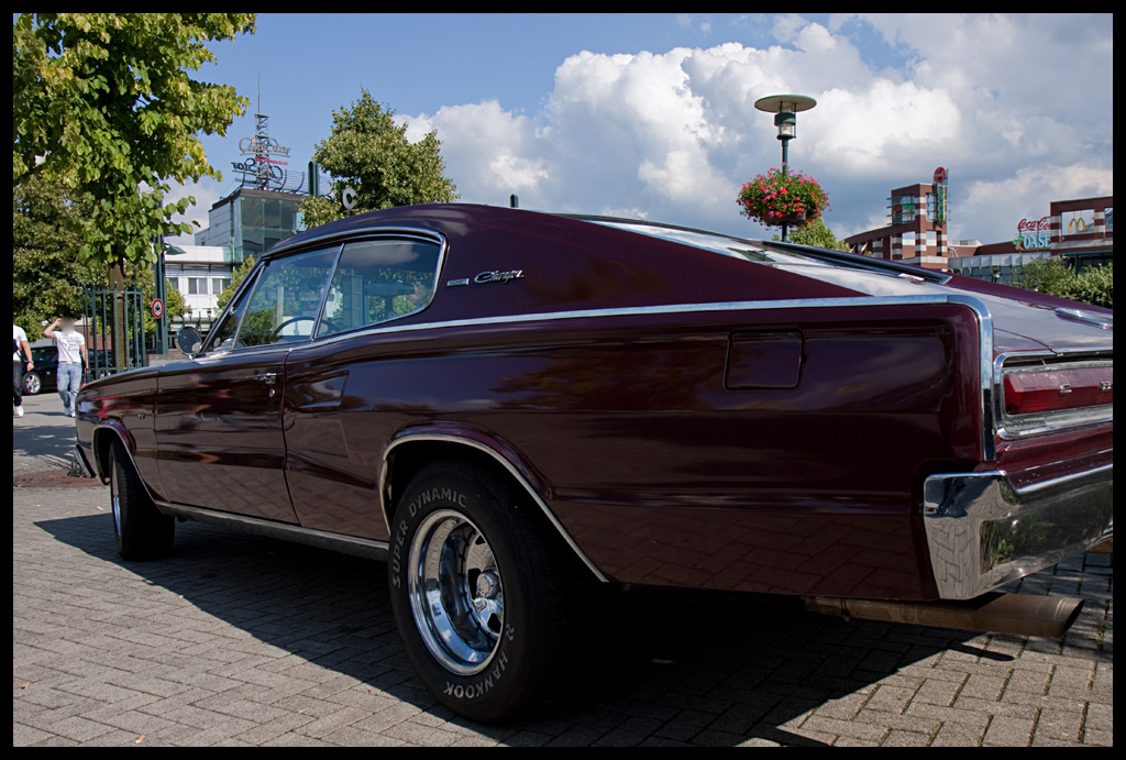 Charger - Side