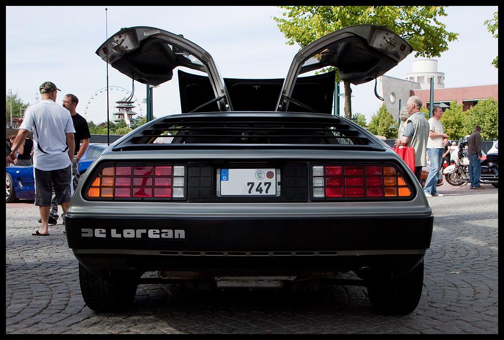 DeLorean - Back with doors open
