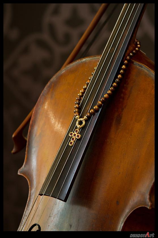 cello_mit_kette