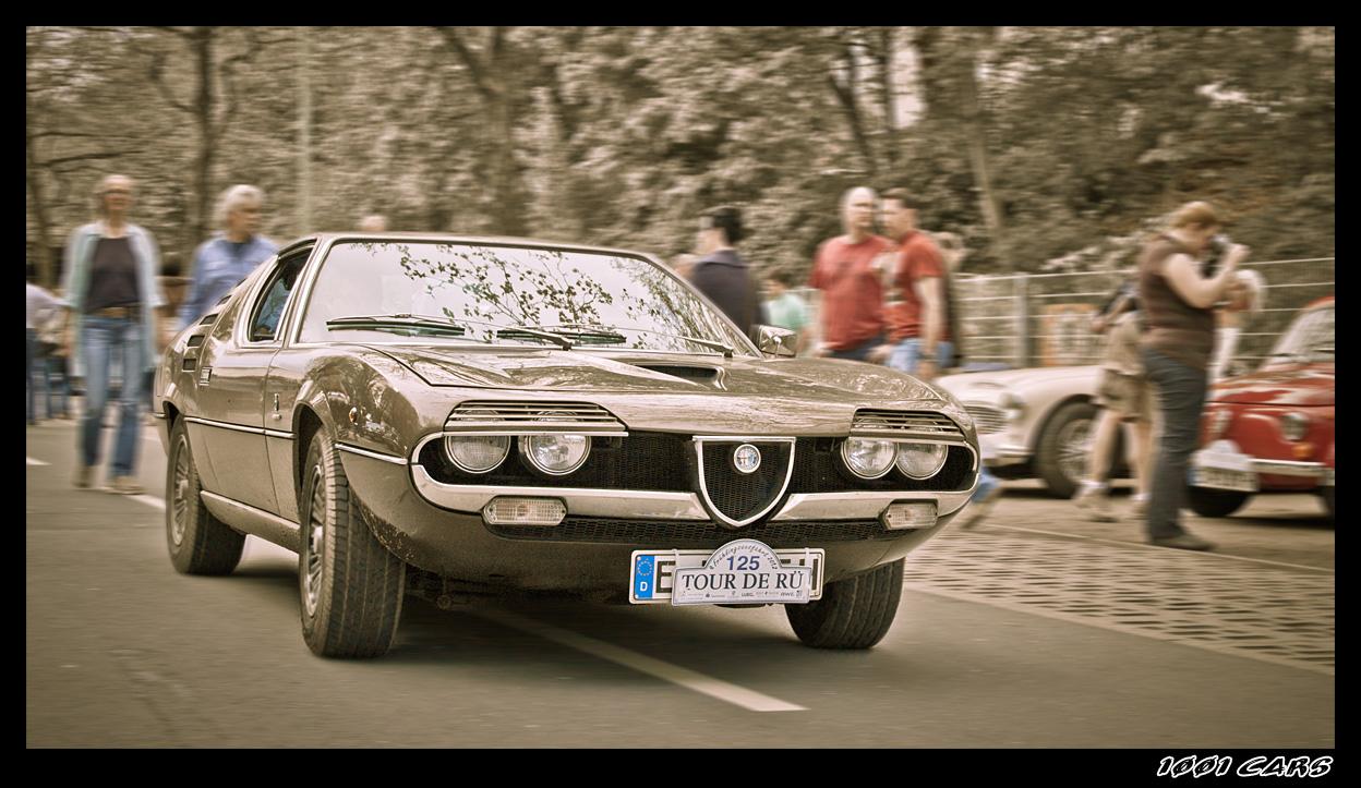 On the run - Alfa Romeo Montreal