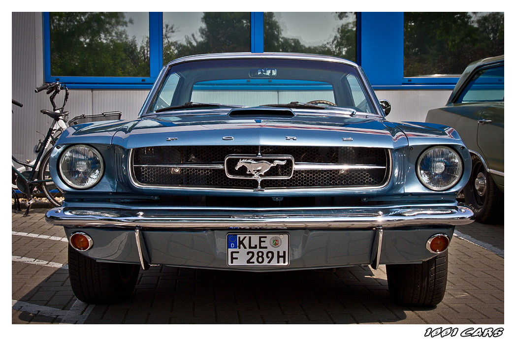 Ford Mustang - I