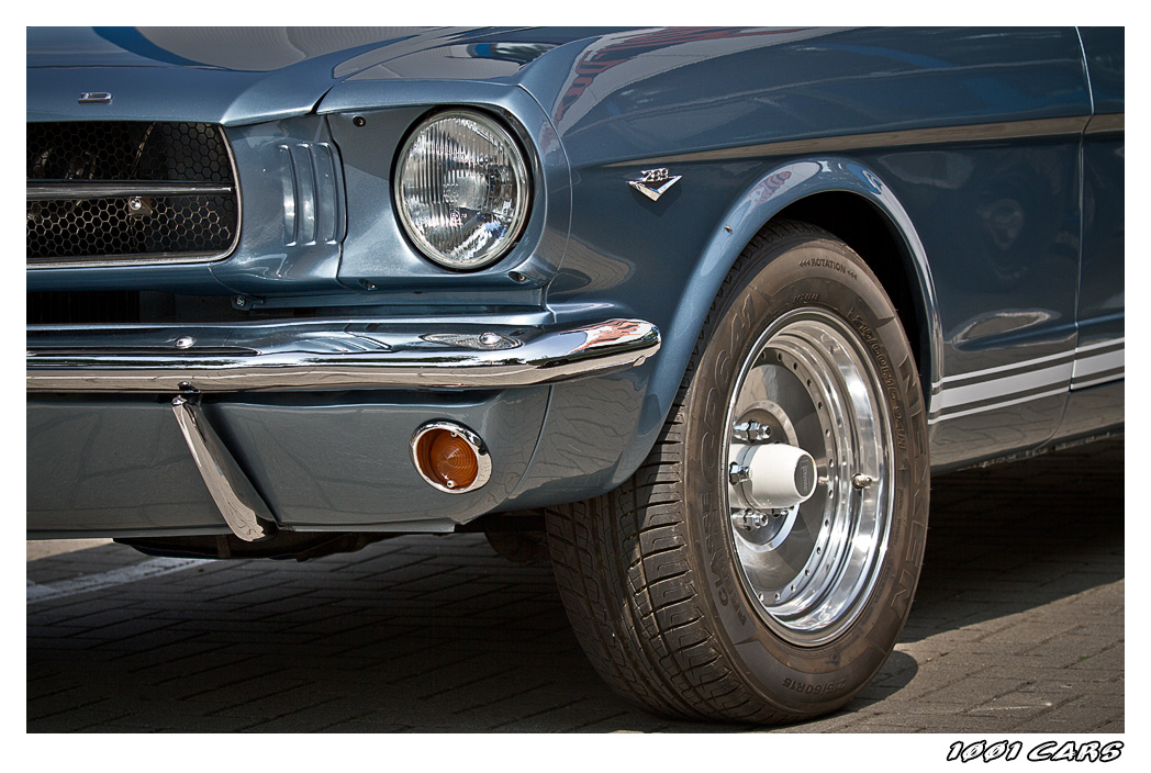 Ford Mustang - II