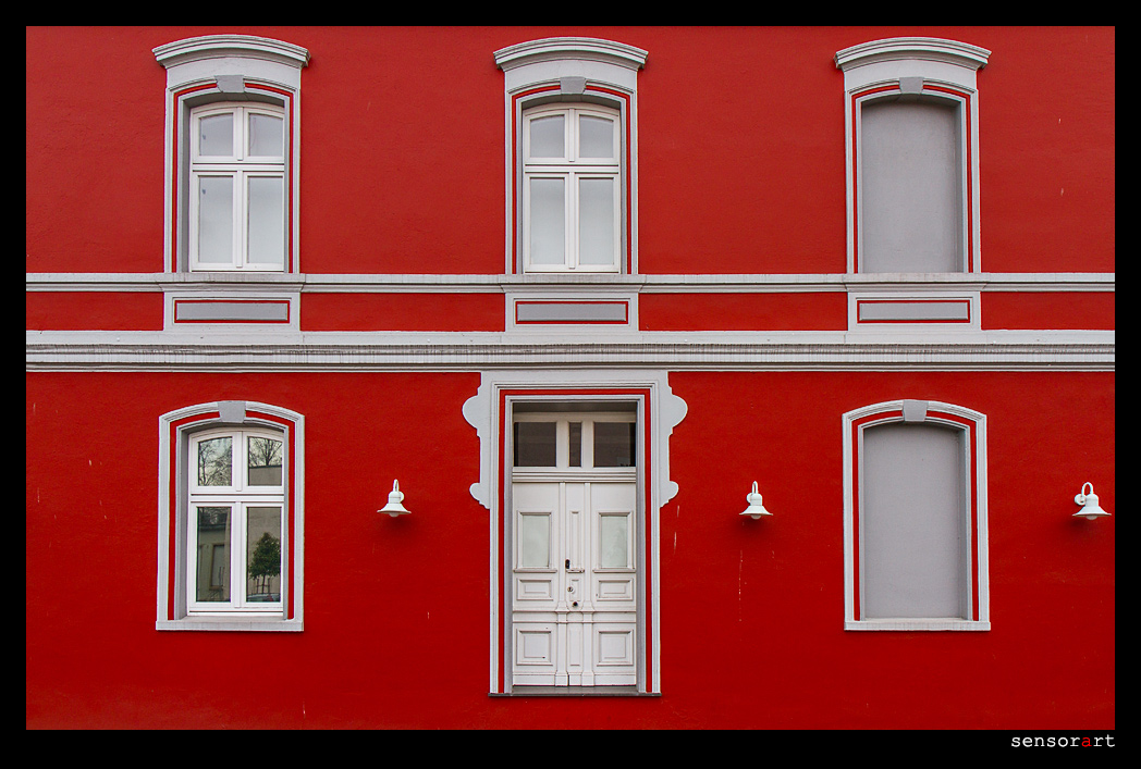 Tür ohne Treppe
