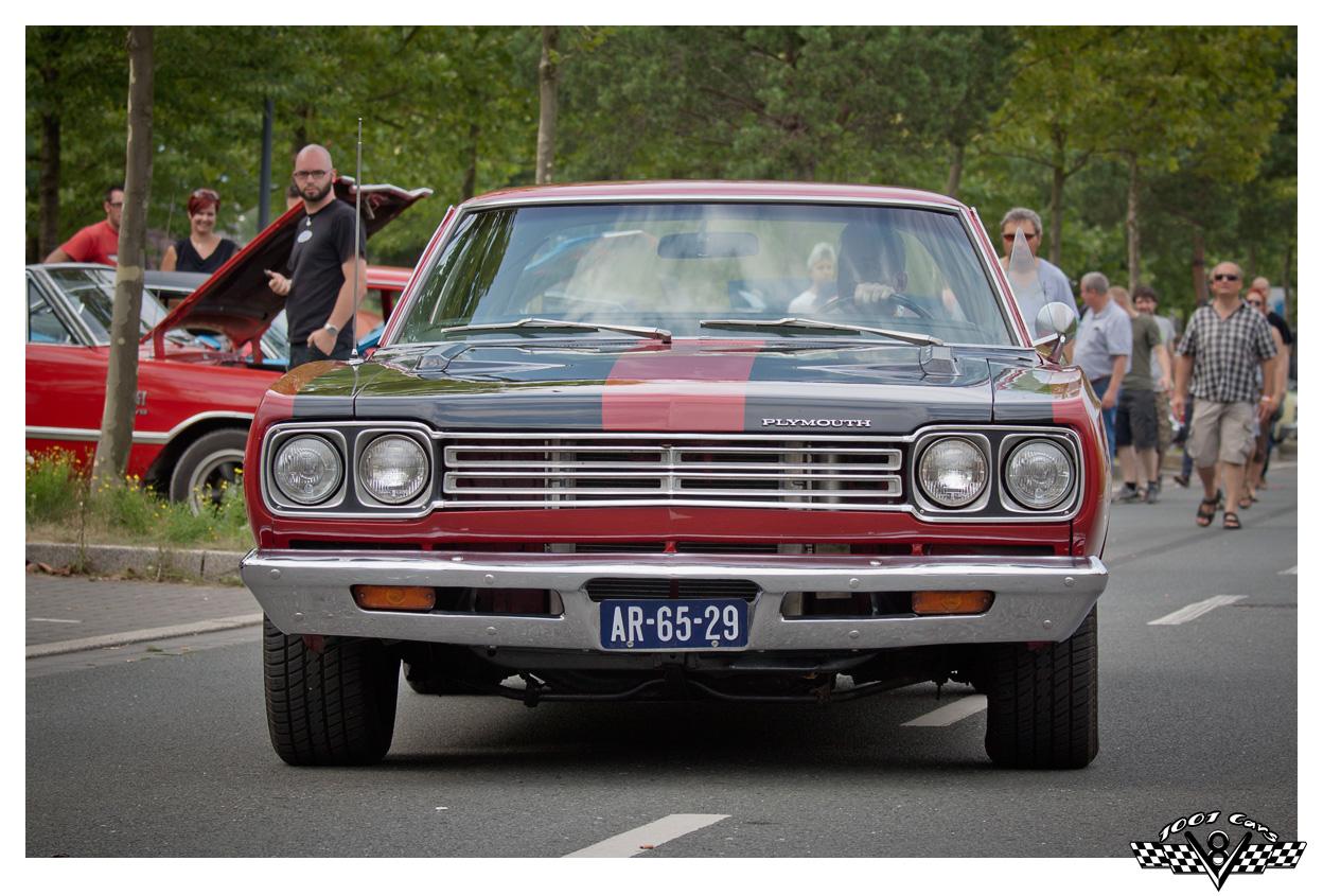 Plymouth Roadrunner - II