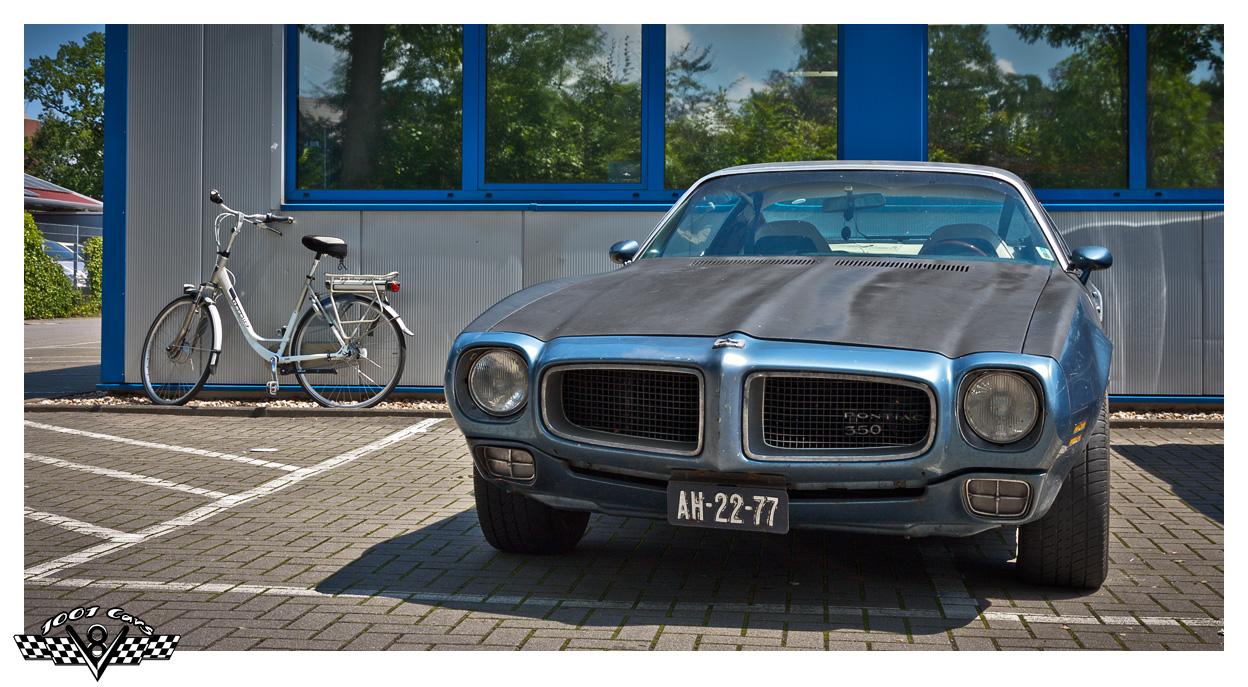 Pontiac & Dutch Bicycle
