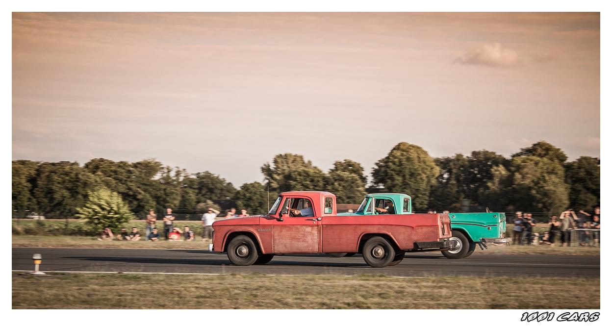 Red Truck - Green Truck