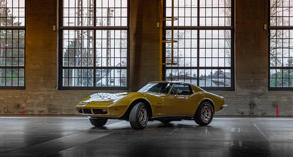 Chevrolet Corvette Stingray 1973 Gold